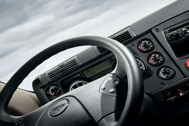 interior-steering-wheel-640x427.jpg